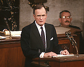 United States President George H.W. Bush delivers his first State of the Union Address to a Joint Session of Congress in the U.S. Capitol in Washington, D.C. on February 9, 1989.<br /> Credit: Arnie Sachs / CNP