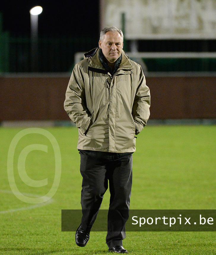 OMS Ingelmunster - SK Berlare : trainer Berlare Angelo Nijskens <br /> foto VDB / BART VANDENBROUCKE