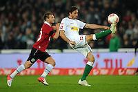 FUSSBALL   1. BUNDESLIGA    SAISON 2012/2013    9. Spieltag   Hannover 96 - Borussia Moenchengladbach         28.10.2012 Szabolcs Huszti (li, Hannover 96) gegen Martin Stranzl  (re, Borussia Moenchengladbach)