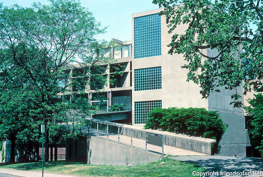 Le Corbusier: Carpenter Center, Harvard University, Cambridge MA. Quincy Street main entrance, west elevation, just across from Harvard Yard.