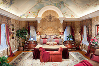 Luxurious Bedroom with Full Control