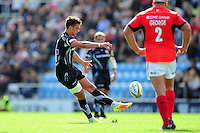 Henry Slade of Exeter Chiefs kicks for the posts. Aviva Premiership match, between Exeter Chiefs and Saracens on September 11, 2016 at Sandy Park in Exeter, England. Photo by: Patrick Khachfe / JMP
