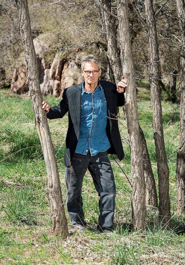 an analysis of jon krakauers into the wild Into the wild jon krakauer table of contents plot overview  writing help  how to write literary analysis suggested essay topics how to cite this.