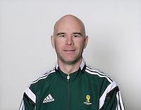FUSSBALL Fototermin FIFA WM Schiedsrichterassistenten 09.04.2014 Michael MULLARKEY (England)