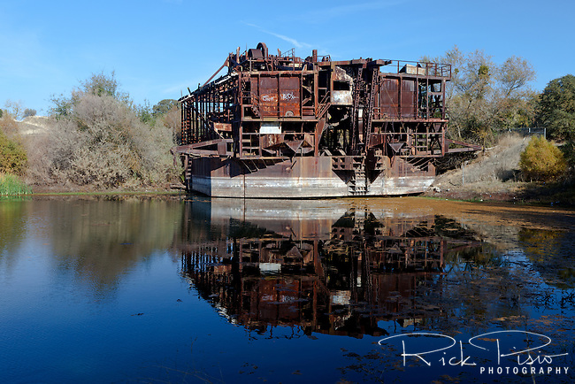 Historic Gold Dredges : Tuolumne gold dredge rick pisio