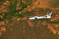 Segelflugzeug Ventus 2cxm: SUEDAFRIKA 14.01.2014: Segelflugzeug Ventus 2cxm über der Karoo