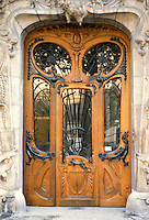 Jules Lavirotte: 29 Avenue Rapp, Paris 1901. Door detail.