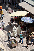 souk market medina; in theold city  Nabeul - Tunisie  .///.souk marche medina, la vielle ville  Nabeul - Tunisie .///.TUNIS231