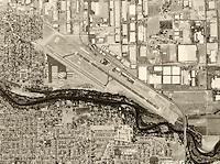 historical aerial photograph Modesto City–County Airport, Modesto, Stanislaus County, California, 1998