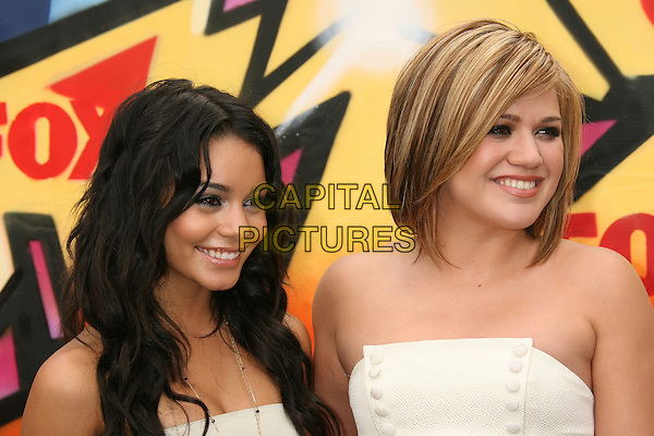VANESSA ANNE HUDGENS & KELLY CLARKSON .2007 Teen Choice Awards held at the Gibson Amphitheater, Universal City, California, USA..August 26th, 2007.headshot portrait strapless.CAP/ADM/RE.©Russ Elliot/AdMedia/Capital Pictures