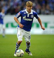 FUSSBALL   1. BUNDESLIGA   SAISON 2011/2012    11. SPIELTAG FC Schalke 04 - 1899 Hoffenheim                            29.10.2011 Lewis HOLTBY (Schalke) Einzelaktion am Ball