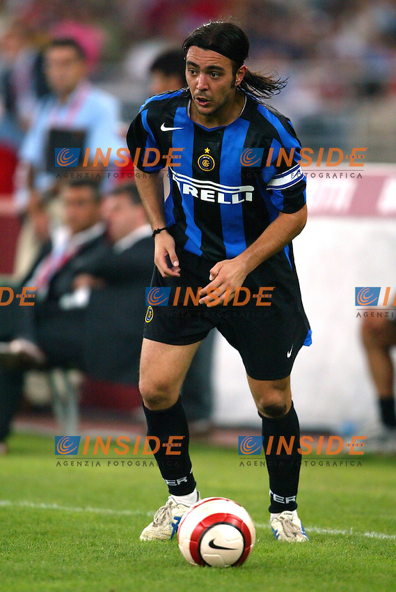 Bari 3/8/2004 Trofeo Birra Moretti - Juventus Inter Palermo. <br /> Alvaro Recoba Inter<br /> Risultati / results (gare da 45 min. each game 45 min.) <br /> Juventus - Inter 1-0 Palermo - Inter 2-1 Juventus b. Palermo dopo/after shoot out <br /> Photo Andrea Staccioli