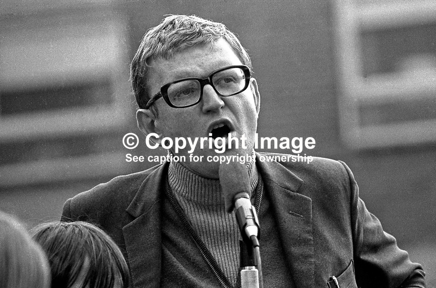Kevin McCorry, political activist, prominent in the civil rights movement, addresses a meeting in the Bogside district of Londonderry. Exact purpose of the meeting not known. The same meeting was also addressed by Eamonn McCann and Bernadette Devlin, also political activists involved in the civil rights movement. 197207290433.<br />