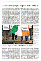 Tearsheet (Feature story) of &quot;Ireland: Emigracao dispara com a crise&quot; published in Expresso