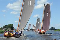 SKÛTSJESILEN: GROU: 18-07-2015, SKS kampioenschap 2015, Skûtsje van Grou wint de openingswedstrijd, ©foto Martin de Jong