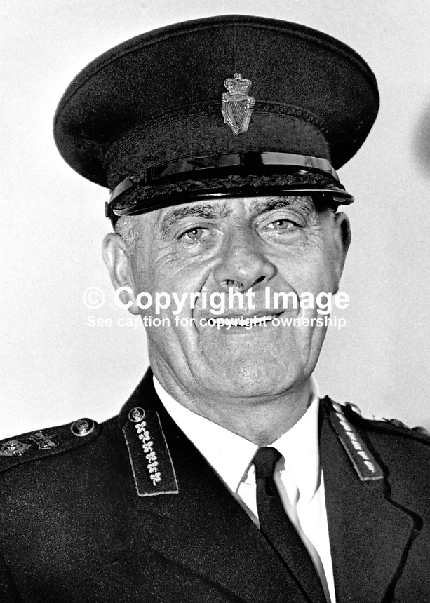 Assistant Chief Constable Sam Bradley, RUC, Royal Ulster Constabulary, N Ireland, 197107000288<br /> <br /> Copyright Image from Victor Patterson,<br /> 54 Dorchester Park, Belfast, UK, BT9 6RJ<br /> <br /> t1: +44 28 90661296<br /> t2: +44 28 90022446<br /> m: +44 7802 353836<br /> <br /> e1: victorpatterson@me.com<br /> e2: victorpatterson@gmail.com<br /> <br /> For my Terms and Conditions of Use go to<br /> www.victorpatterson.com