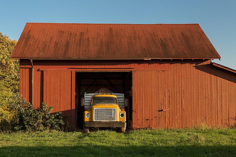 Potato Truck &amp; Red Barn<br /> Mattituck, Long Island