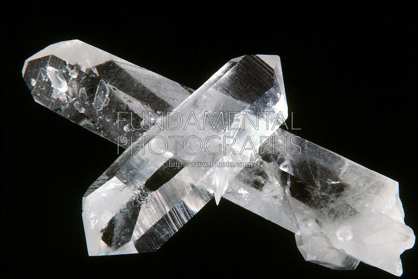 QUARTZ ROCK CRYSTAL<br /> Twinned Crystal<br /> SiO2  Silicate<br />  Hexagonal-Trigonal trapezohedral crystal form