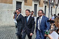 Roma 29 Aprile 2013.Il ministro agli Affari Europei  Enzo Moavero Milanesi entra alla Camera dei Deputati dove si voto la fiducia al Governo Letta