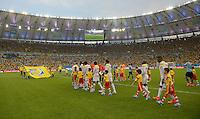 FUSSBALL WM 2014                ACHTELFINALE Kolumbien - Uruguay                  28.06.2014 Die Mannschaften laufen in das Maracanar-Stadion Aufstellung ein