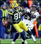 Minnesota's Corey Chavous was called for pass interference on this 4th quarter Brett Favre pass to Donald Driver. .The Green Bay Packers hosted the Minnesota Vikings in Monday Night Football at Lambeau Field in Green Bay, WI Monday November 21, 2005. WSJ/Steve Apps