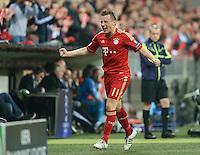 FUSSBALL   CHAMPIONS LEAGUE  VIERTELFINAL RUECKSPIEL   2011/2012      FC Bayern Muenchen - Olympic Marseille          03.04.2012 JUBEL FC Bayern Muenchen; Torschuetze zum 1-0 Ivica Olic