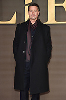 LONDON, UK. November 21, 2016: Brad Pitt at the &quot;Allied&quot; UK premiere at the Odeon Leicester Square, London.<br /> Picture: Steve Vas/Featureflash/SilverHub 0208 004 5359/ 07711 972644 Editors@silverhubmedia.com
