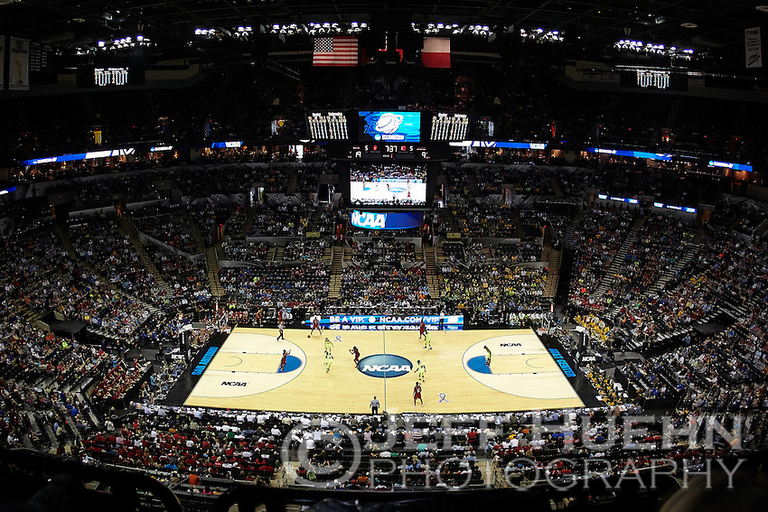 SAN ANTONIO, TX - MARCH 23, 2014: The 2014 NCAA NCAA Basketball Championship 2nd and 3rd Rounds hosted by the University of Texas at San Antonio in the AT&T Center. (Photo by Jeff Huehn)
