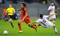 USA's Carlos Bocanegra (r) and Belgium's Axel Witsel fight for the ball during the friendly match Belgium vs USA at King Baudoin stadium in Brussels, Belgium on September 06th, 2011.