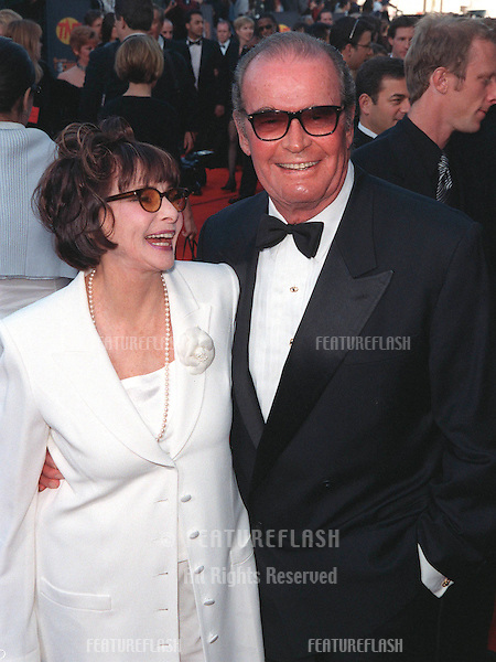 07MAR99: Actor JAMES GARNER & wife at the Screen Actors Guild Awards..© Paul Smith / Featureflash