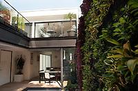 Arkitector Edgar Compean. Tennyson 90, Polanco, Mexico DF