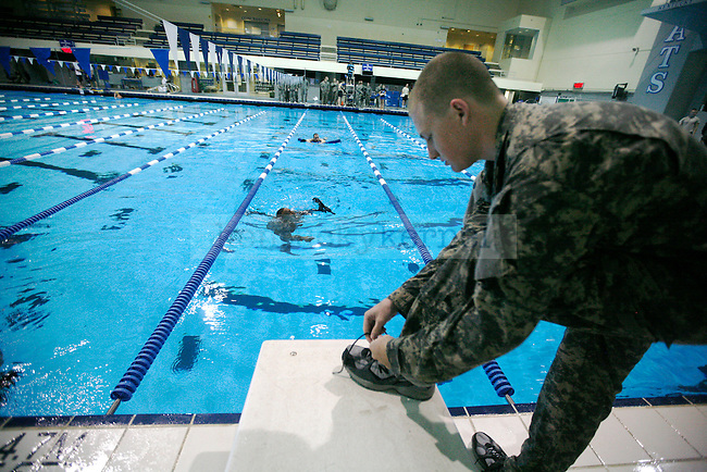 The UK ROTC does underwater training at the UK Aquatic Center Wednesday morning. Photo by Britney McIntosh | Staff.