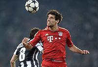 FUSSBALL  CHAMPIONS LEAGUE  VIERTELFINALE  RUECKSPIEL  2012/2013      Juventus Turin - FC Bayern Muenchen        10.04.2013 Claudio Marchisio (li, Juventus Turin) gegen Javi Martinez (re, FC Bayern Muenchen)