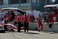 20-21 Febuary, 2012 Birmingham, Alabama USA.Dario Franchitt and crew on pit lane.(c)2012 Scott LePage  LAT Photo USA