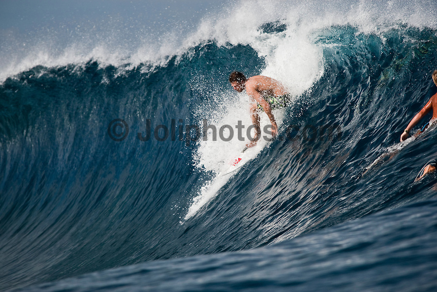 DANE REYNOLDS (USA) at Teahupoo, Tahiti, (Friday May 8 2009.) Photo: joliphotos.com