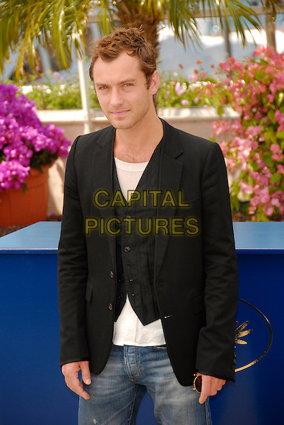 "JUDE LAW.A photocall for ""My Blueberry Nights"" during the 60th International Cannes Film Festival, Cannes, France. .May 16, 2007.half length black suit jacket waistcoat .CAP/KRA.©Persun/Capital Pictures"