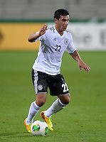 FUSSBALL INTERNATIONAL Laenderspiel Freundschaftsspiel U 21   Deutschland - Frankreich     13.08.2013 Oezkan Yildirim (Deutschland) am Ball
