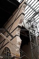 L'Aquila  20 Novembre 2010.Sos L'Aquila chiama Italia.La città  del L'Aquila  dopo 18 mesi dal terremoto..La Basilica di Collemaggiore, l'interno.Sos L'Aquila called  Italy.The city of L'Aquila 18 months after the earthquake