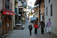 Kids walking in an alley