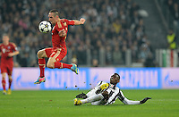 FUSSBALL  CHAMPIONS LEAGUE  VIERTELFINALE  RUECKSPIEL  2012/2013      Juventus Turin - FC Bayern Muenchen        10.04.2013 Franck Ribery (li, FC Bayern Muenchen) gegen Paul Pogba (re, Juventus Turin)