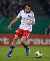 FUSSBALL   DFB POKAL   SAISON 2013/2014   2. HAUPTRUNDE Hamburger SV - SpVgg Greuther Fuerth                 24.09.2013 Heiko Westermann (Hamburger SV) am Ball