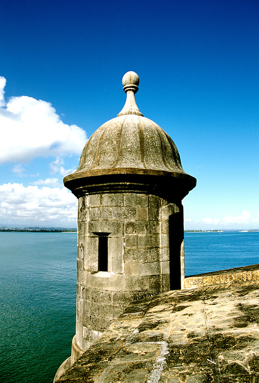 Caribbean, Puerto Rico, old San Juan, fort El Morro, Photo: crudaw103  .Photo Copyright: Lee Foster, (510) 549-2202, lee@fostertravel.com, www.fostertravel.com