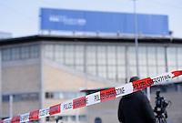 Fussball International Ausserordentlicher FIFA Kongress 2016 im Hallenstadion in Zuerich 26.02.2016 Polizei - Sperrzone vor dem Hallenstadion, zutritt nur mit Akkreditierung