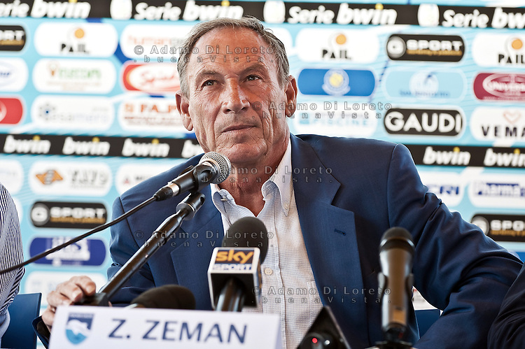 PESCARA (PE): Presentazione alla stampa del nuovo allenatore del Pescara Calcio Zdnek Zeman. The presentation to the press the new coach of Pescara soccer Zdenek Zeman. Foto © DiLoreto