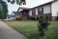 1990 July 03..Conservation.Berkley 3...Bell Diamond Home Ownership.Corner of Louisa & Culpeper Street...NEG#.NRHA#..HOUSING:B Dmnd 2 1:5