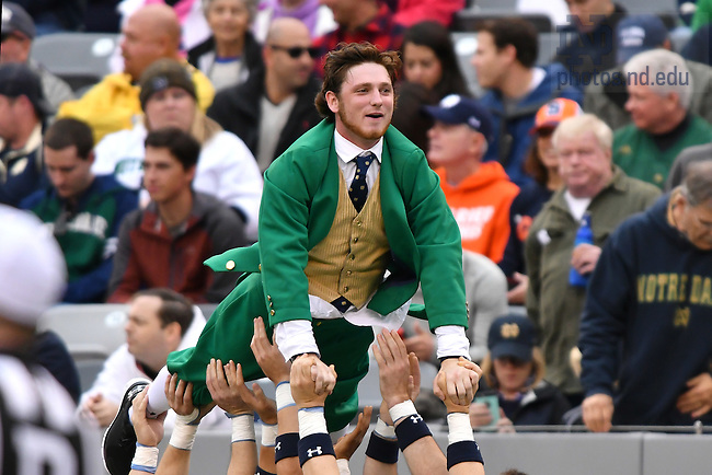 October 1, 2016; The Leprechaun does pushups after a Notre Dame touchdown against the Syracuse Orange at MetLife Stadium. (Photo by Matt Cashore)