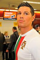 04/05/2010 Ronaldo in Edinburgh to launch easyJet flight