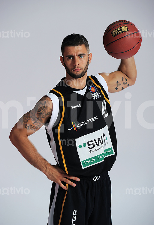 1. Basketball Bundesliga 2011/2012  21.08.2010 Walter Tigers Tuebingen   Adnan Hodzic  (Tigers)