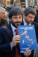 Roma 16 Marzo2013.Montecitorio, secondo giorno della  XVII legislatura..Roberto Fico del M5S all'iniziativa per l'ICE (Iniziativa dei Cittadini Europei) per l'acqua pubblica
