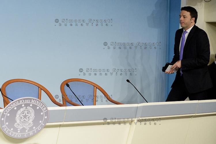 Roma, 8 Aprile 2014<br /> Il Governo approva il Def, documento di Economia e Finanza che delinea il piano per l'economia italiana dei prossimi tre anni.<br /> Conferenza stampa al termine del Consiglio dei Ministri.<br /> Matteo Renzi.<br /> The Government approves the Final document of Economics and Finance, that outlines the plan for the Italian economy over the next three years. <br /> Press Conference at the end of the Council of Ministers. <br /> Matteo Renzi